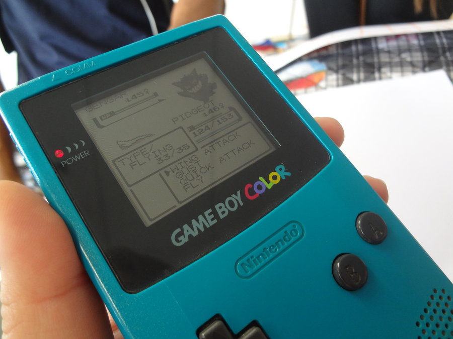 gameboy_color_blue_pokemon_by_evan_geline-d5533vg